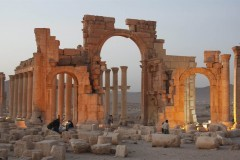 Боевики ИГИЛ взорвали древний храм в Пальмире