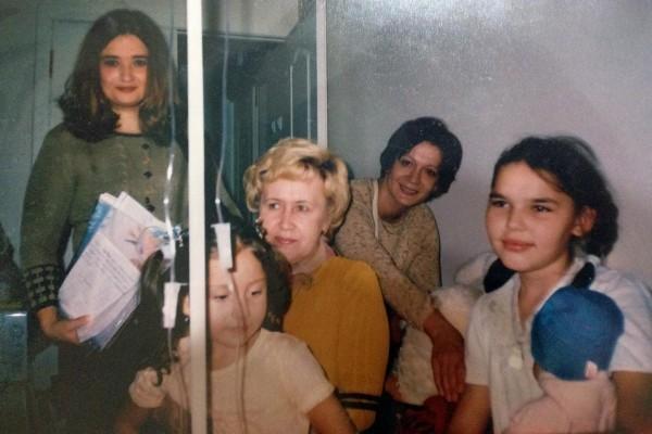 Алевтина Фадеева (справа)