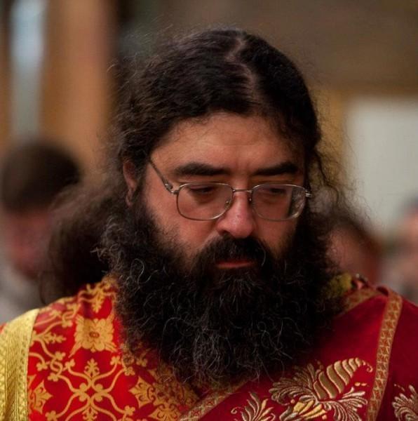 Просят молитв о попавшем в больницу враче-священнике Феодорите (Сеньчукове)