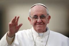 Папа Римский призвал верующих принять семьи беженцев