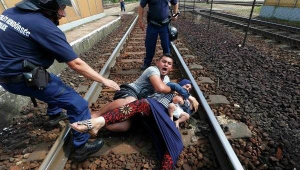 Британские депутаты-христиане настаивают на активной помощи беженцам с Ближнего Востока