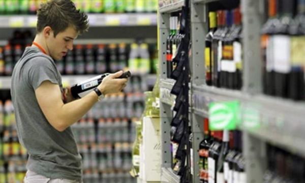 Законопроект о запрете продажи алкоголя лицам моложе 21 года внесен в Госдуму