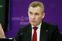 Путин подпишет указ об отставке Астахова