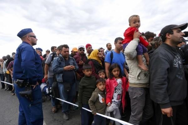 Венгерский епископ считает беженцев захватчиками