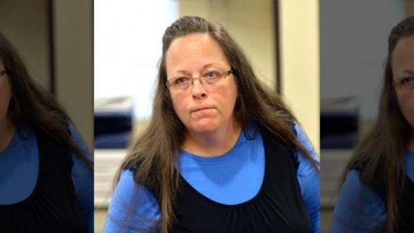 Чиновницу, заключенную под стражу за отказ регистрировать однополые браки, выпустили из тюрьмы
