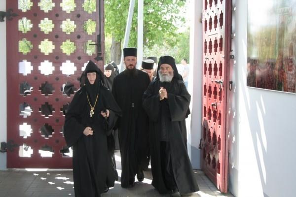 монаст2
