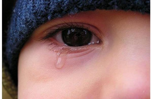Опека хотела изъять детей у многодетной матери, после того, как та попросила помочь ей собрать их в школу