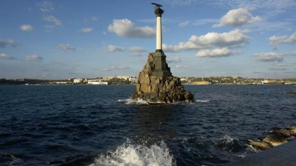 На дне Черного моря установили крест