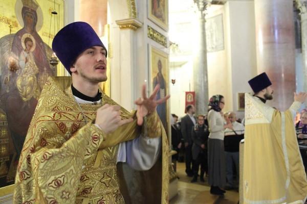 Литургия с сурдопереводом пройдет в Москве в канун Дня глухих