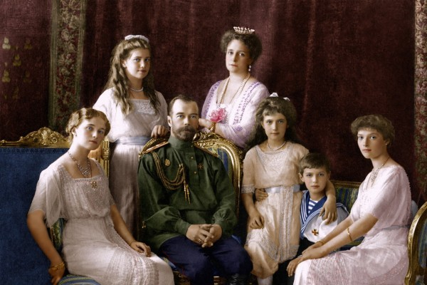Церковь не может игнорировать критику в дискуссии о подлинности царских останков – заявление СИНФО