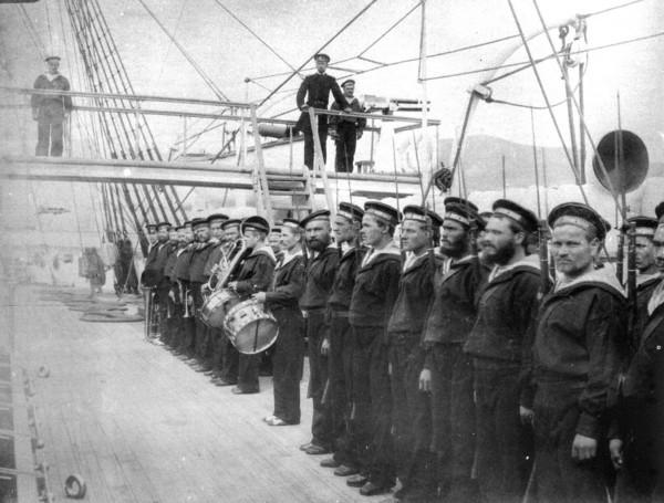 На палубе броненосного крейсера «Дмитрий Донской». 1890-е годы