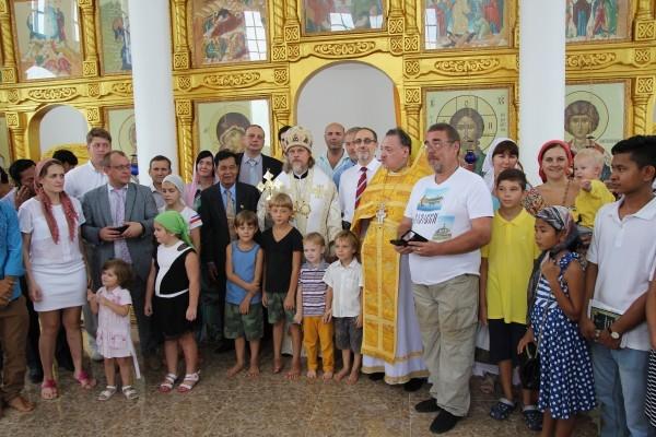В Камбодже освящен первый храм Русской Православной Церкви 0_d99cd_139ff0f2_orig-600x400