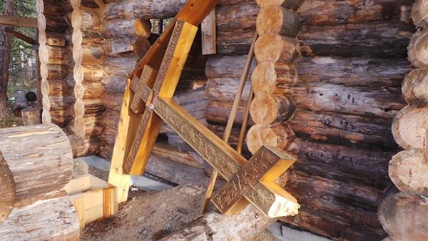 В Мурманской области срубили поклонный крест на месте строительства храма