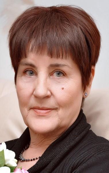 Ксения Устинова