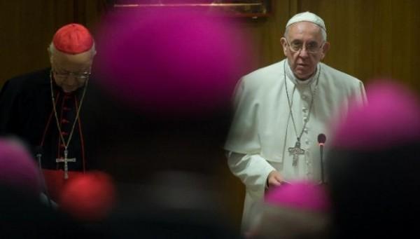 Ватикан подтвердил запрет на однополые браки