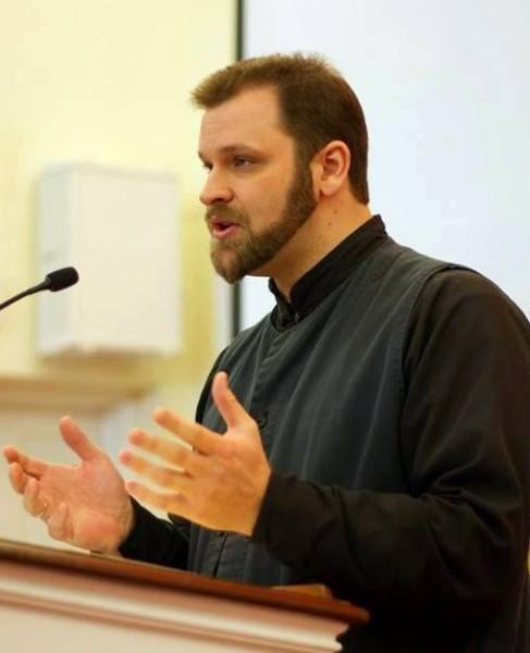 Священник Андрей Стивен Демик