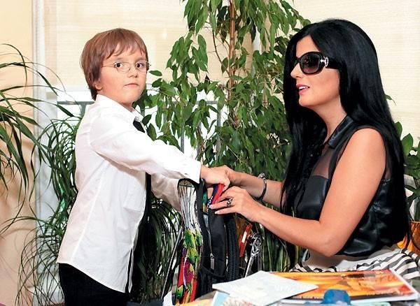 Диана Гурцкая с сыном. Фото: tele.ru
