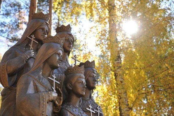 Памятник детям семьи Романовых в Екатеринбурге. Фото: Александр Зайцев