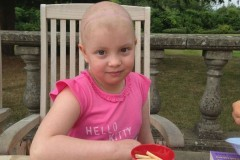 Британец, дочь которого перенесла рак головного мозга, написал книгу