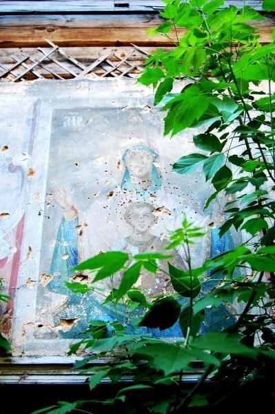Пресвятая Богородица хранит деревянный храм в Верхнем Секинесе