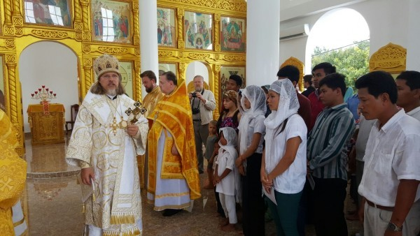 В Камбодже освящен первый храм Русской Православной Церкви Img-20151027-wa0012-600x338