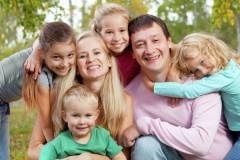 Правительство добавит денег регионам на выплаты многодетным семьям