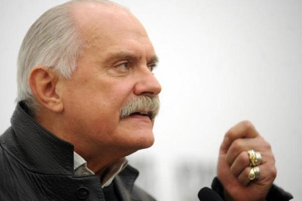 Патриарх Кирилл поздравил кинорежиссера Никиту Михалкова с 70-летием