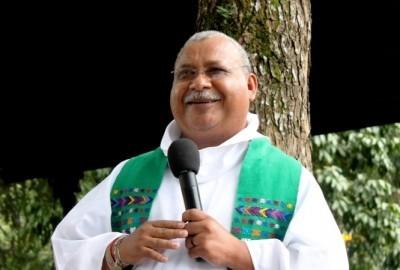 Священник-журналист из Гондураса получил премию за защиту свободы слова
