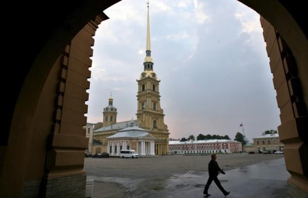 В Петербурге началось вскрытие гробницы Александра III