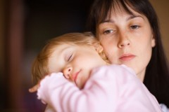 """""""Неужели можно злиться на своего ребенка?!"""": Психолог о «плохих матерях»"""