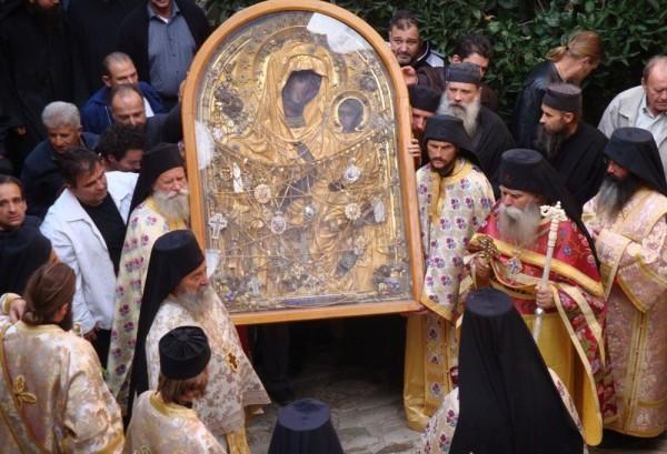 Православные празднуют память иконы Божией Матери «Скоропослушница»