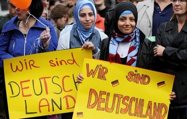 Как в Германии справляются с беженцами и ищут среди них радикалов
