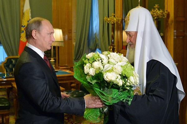 Президент Путин поздравил Патриарха Кирилла с днем рождения