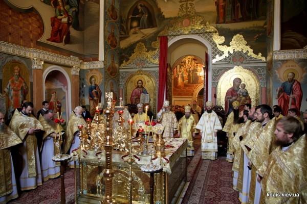 Представители Поместных Православных Церквей приняли участие в Литургии в Киево-Печерской лавре