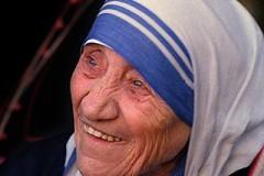 Ватикан опроверг слухи о назначении даты канонизации матери Терезы
