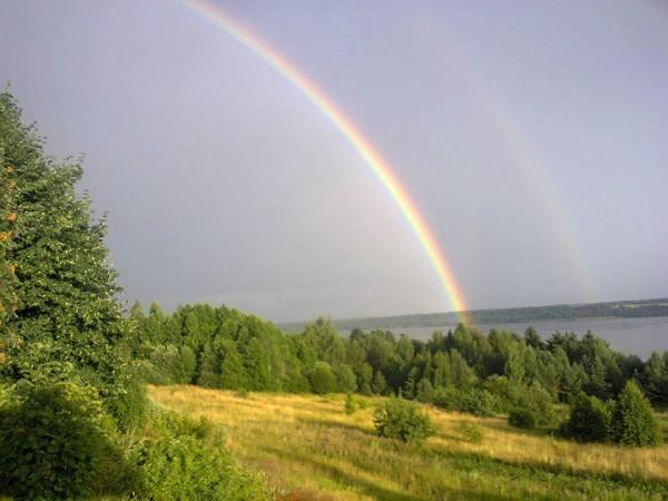 Волга и радуга