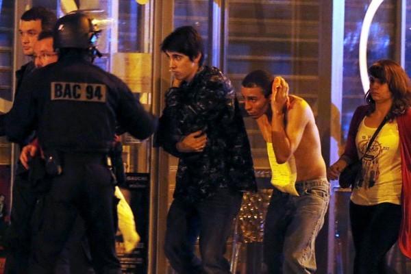 Парижане с помощью соцсетей разыскивают родных, которые могли стать жертвами терактов