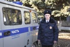 Патрульный полицейский спас утопающего