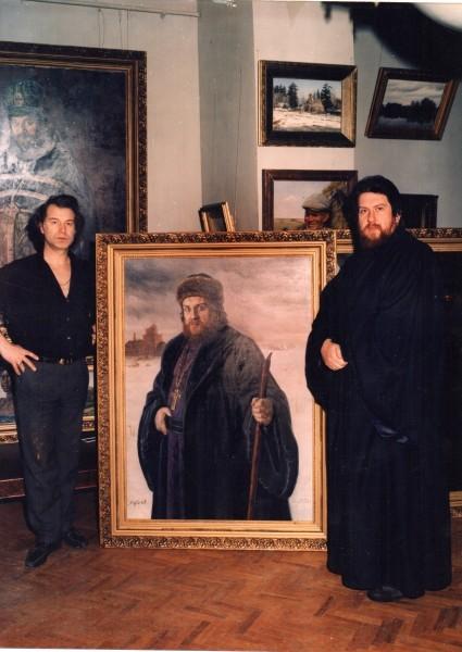 У своего портрета работы Александра Шилова