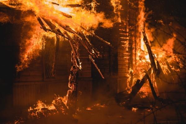 Старейший храм сгорел в Ивановской области