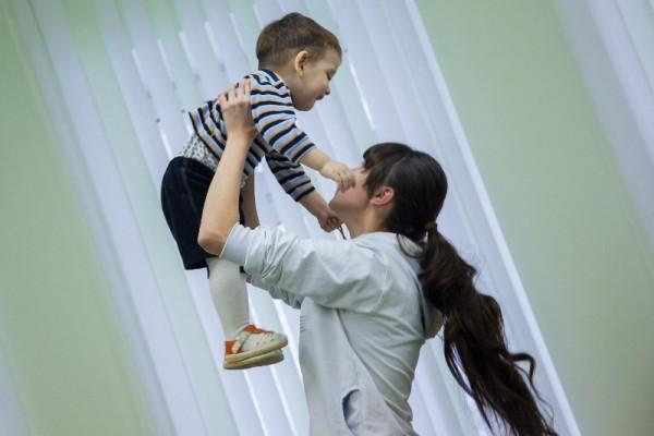 «Главное, что нужно приёмным родителям знать о сироте, – это ребёнок с травмой»