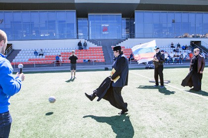 В Новосибирске прошел всероссийский турнир по футболу среди священников