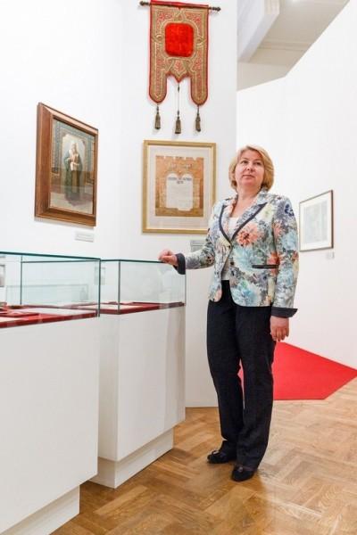 Руководитель Елисаветинско-Сергиевского просветительского общества Маргарита Борисовна Бутова на открытии выставки.