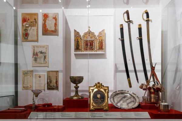 3.Предметы, принадлежавшие великому князю Сергею Александровичу и связанные с его военной службой в Преображенском полку.
