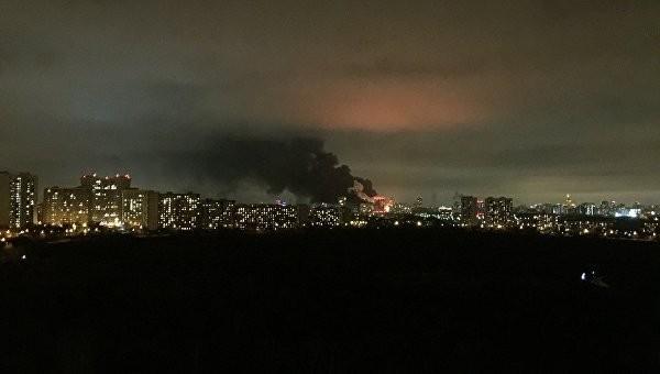 На Тушинском машиностроительном заводе в Москве возник пожар