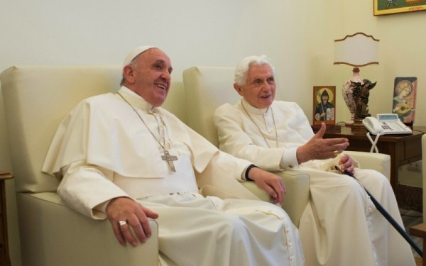 Юбилейный год Милосердия откроют Папа Франциск и Папа Бенедикт XVI