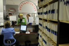 В трех регионах РФ начали оформлять электронные больничные листы