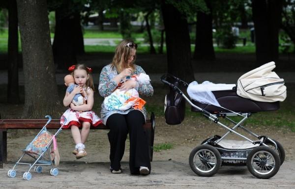 Путин: Программа маткапитала будет продлена как минимум на два года