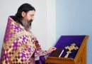 Что известно о священнике, который принял в храме протестующих?