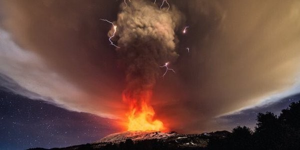 Извержение вулкана Этна в Италии (фото)